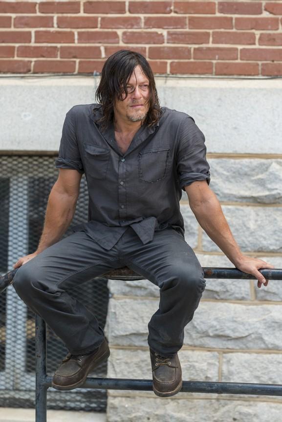 The Walking Dead - Season 7 Episode 10: New Best Friends