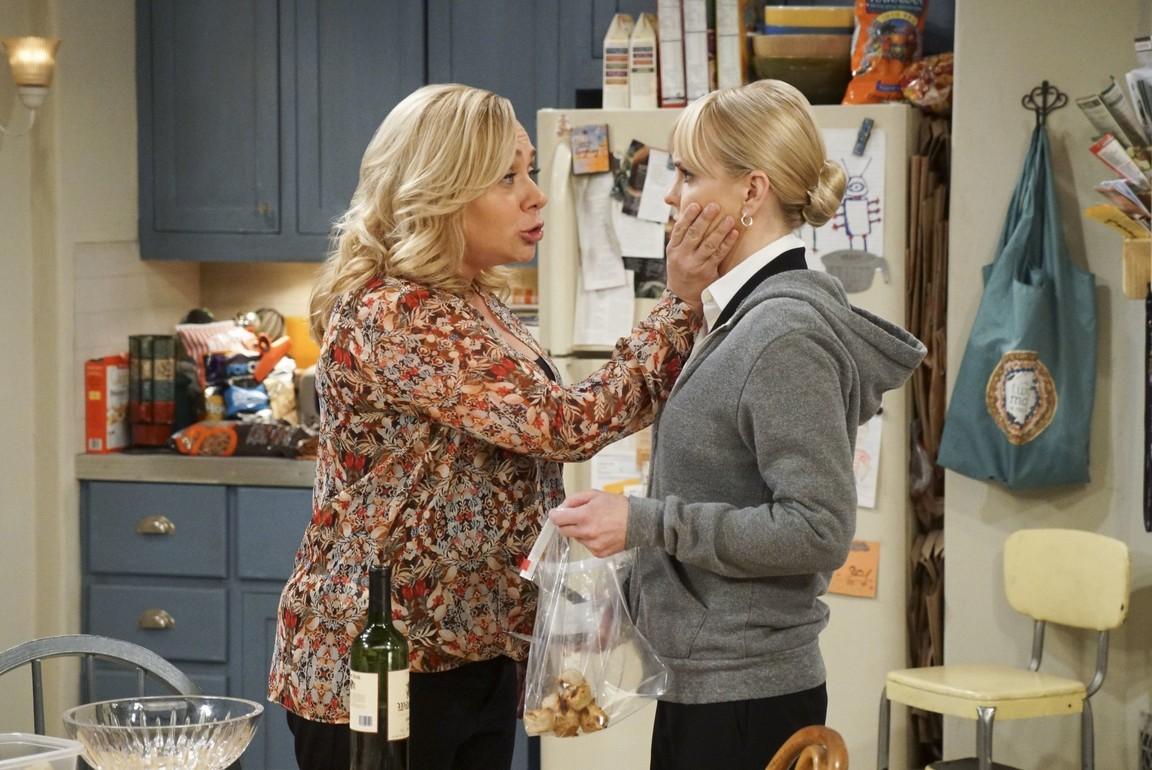 Mom - Season 4 Episode 09: Bad Hand and British Royalty