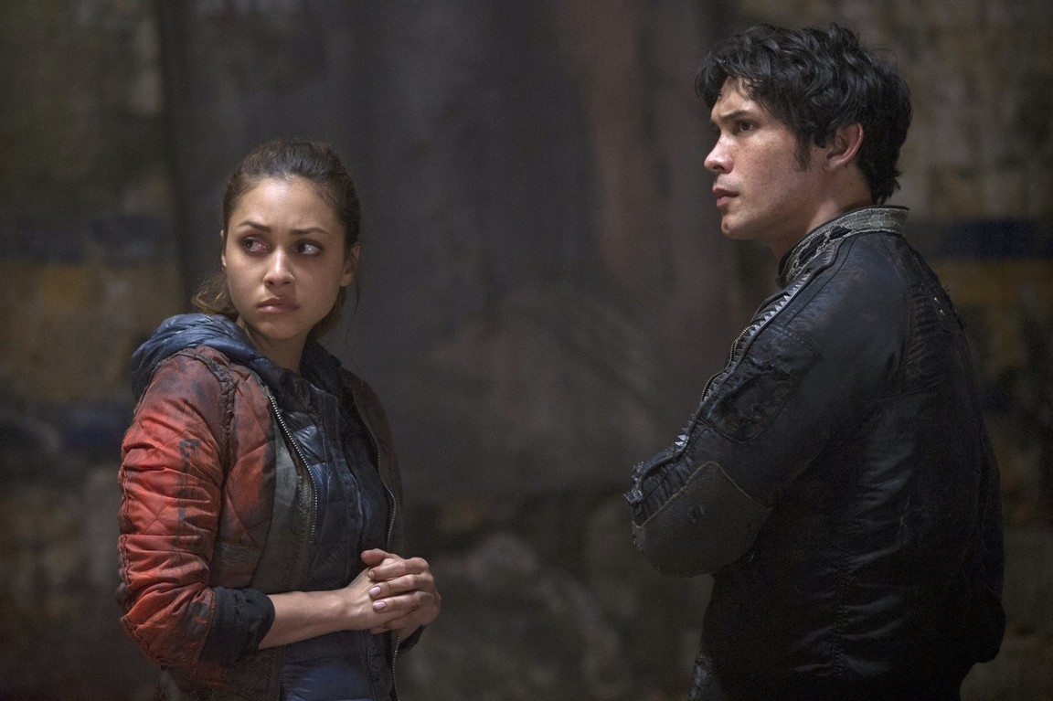 The 100 - Season 2 Episode 09: Remember Me