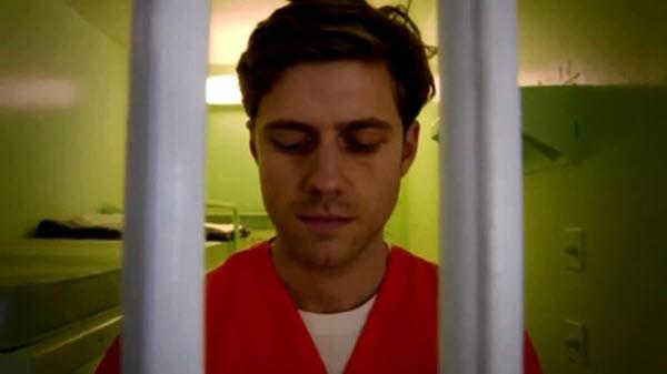 Graceland - Season 1 Episode 10: King's Castle