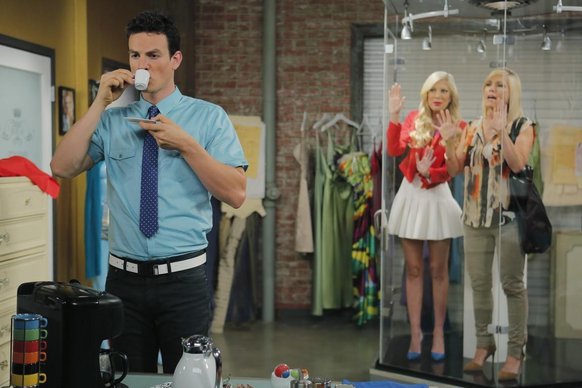 Mystery Girls - Season 1 Episode 08: Bag Ladies