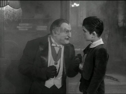 The Munsters - Season 2 Episode 04: Herman Munster, Shutterbug