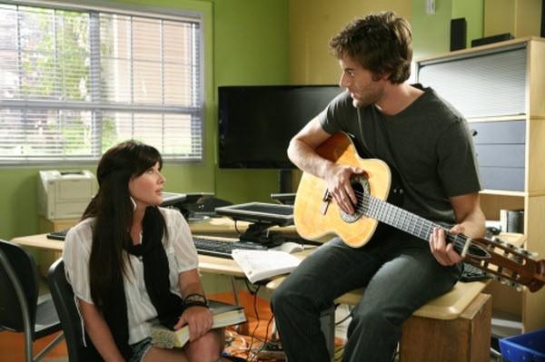 90210 - Season 1 Episode 04: The Bubble
