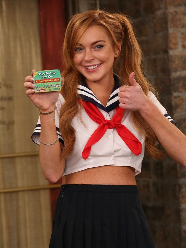 Anger Management - Season 2 Episode 12: Charlie Gets Lindsay Lohan Into Trouble
