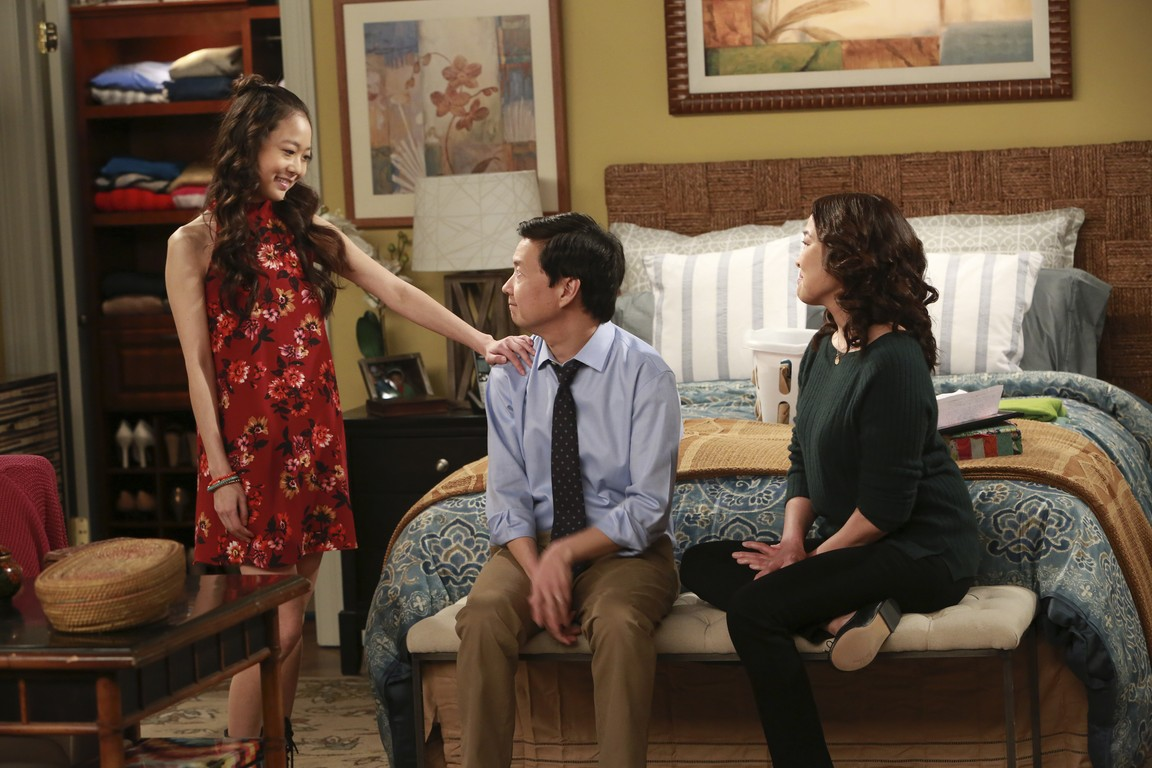 Dr. Ken - Season 1 Episode 16 Meeting Molly's Boyfriend