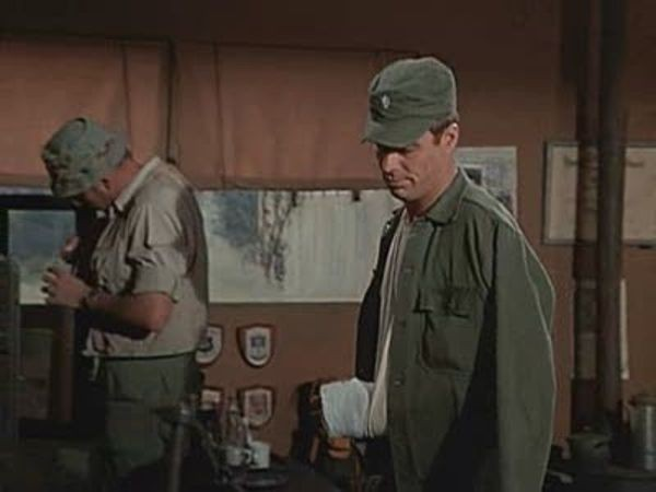 M*A*S*H - Season 2 Episode 24: A Smattering of Intelligence