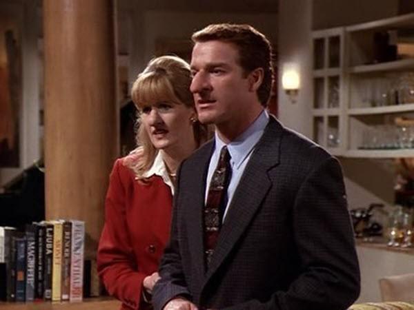 Frasier - Season 5 Episode 21: Roz and the Schnoz