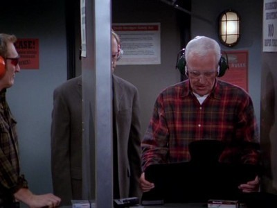 Frasier - Season 10 Episode 23: Analyzed Kiss