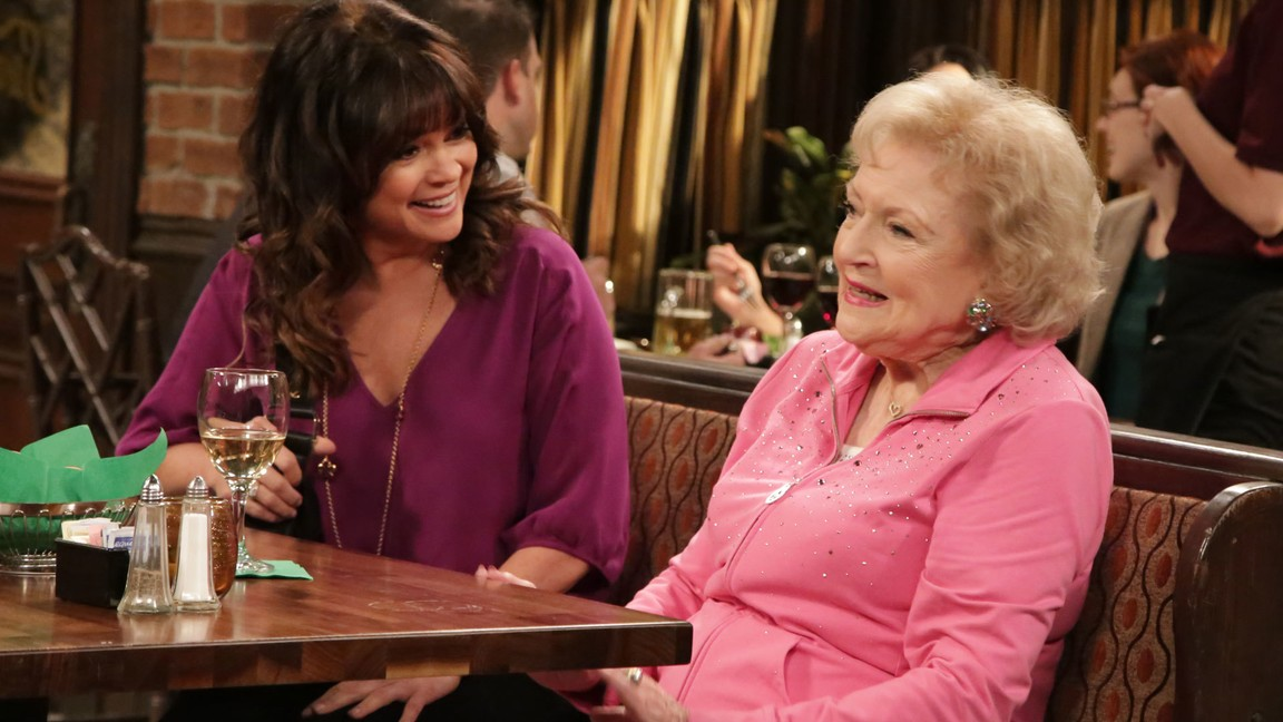 Hot In Cleveland - Season 6 Episode 05: Tazed and Confused