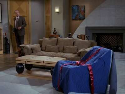 Frasier - Season 9 Episode 07: Bla-Z-Boy