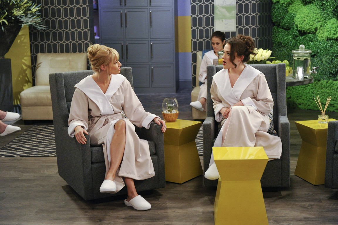 2 Broke Girls - Season 2 Episode 23: And the Tip Slip