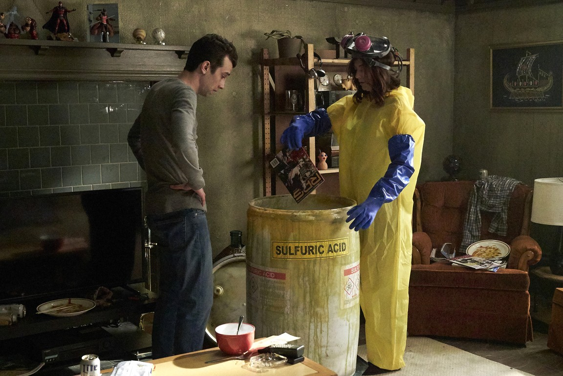 Man Seeking Woman - Season 3 Episode 01: Futon