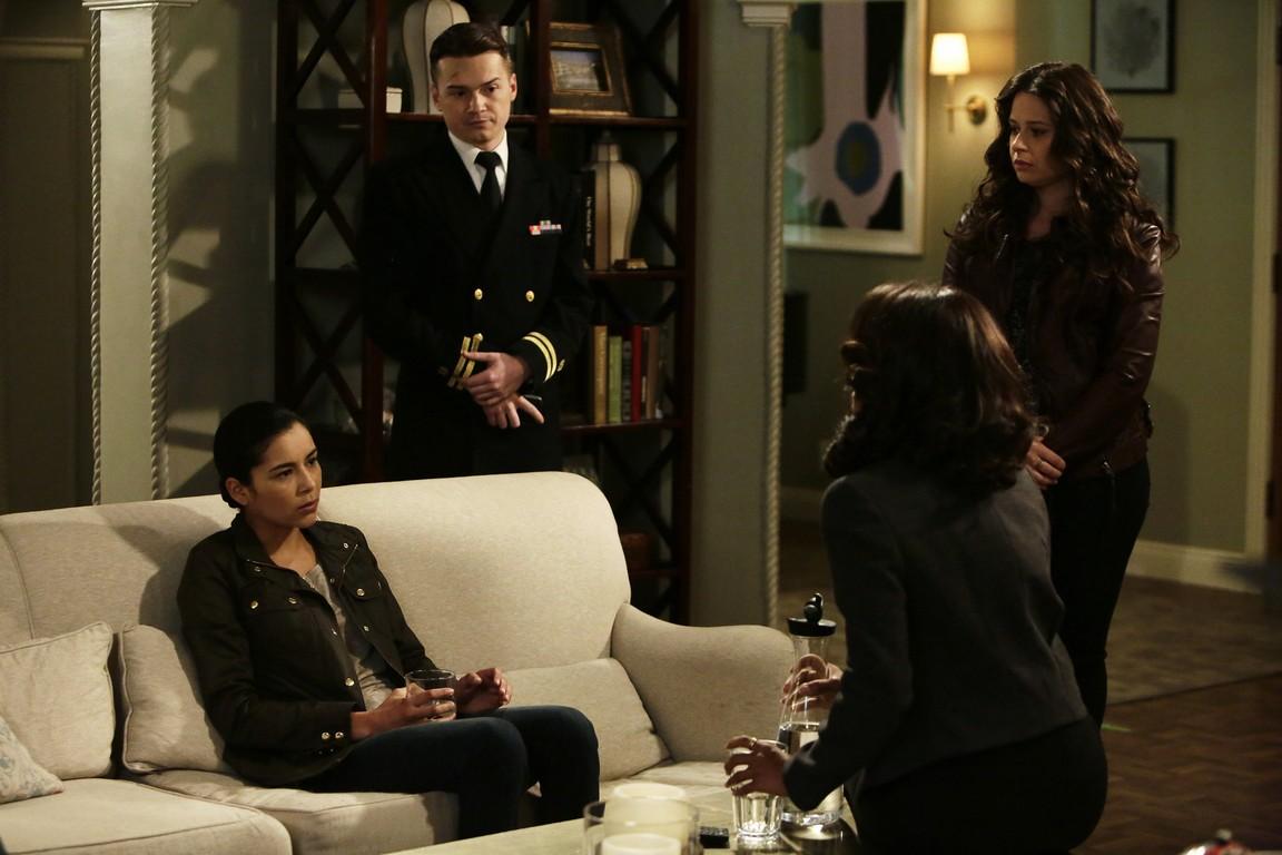 Scandal - Season 4 Episode 21: A Few Good Women