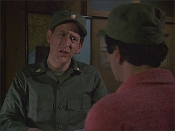 M*A*S*H - Season 10 Episode 16: Where There's a Will, There's a War