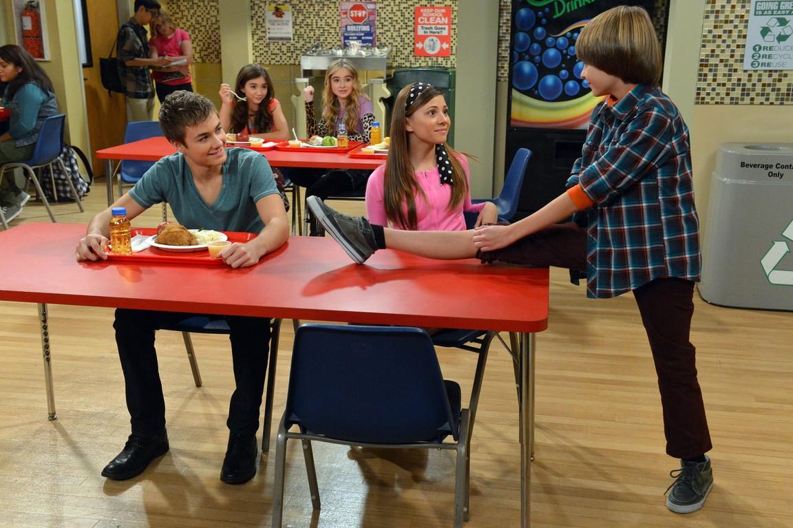 Girl Meets World - Season 1 Episode 3:Girl Meets Sneak Attack