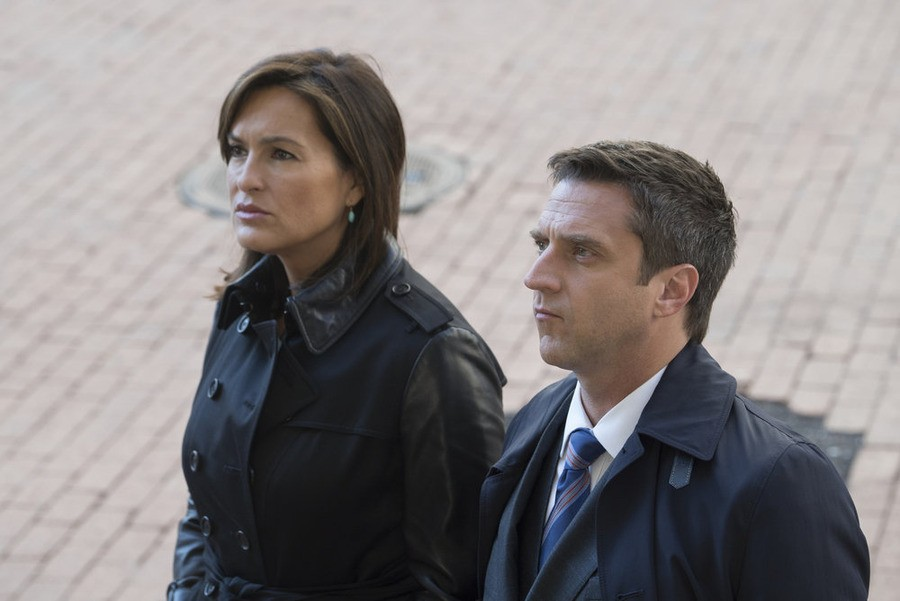 Law & Order: Special Victims Unit - Season 16 Episode 08: Spousal Privilege