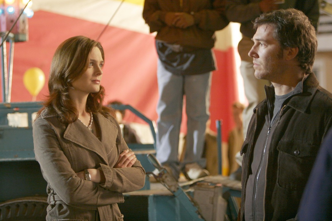 Bones - Season 1 Episode 22: The woman in limbo
