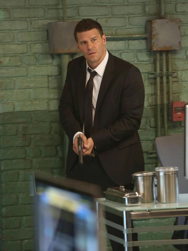 Bones - Season 9 Episode 04: The Sense in the Sacrifice