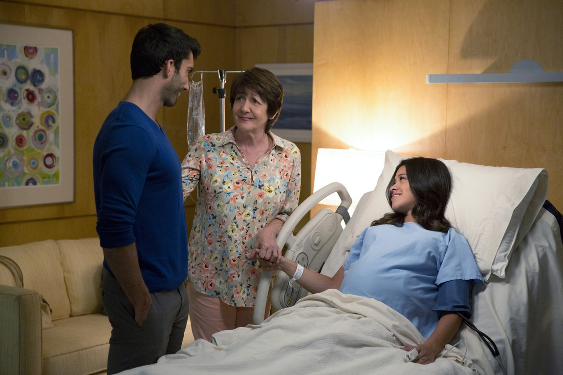 Jane The Virgin - Season 1 Episode 22: Chapter Twenty-Two