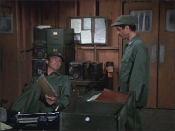 M*A*S*H - Season 4 Episode 10: Quo Vadis, Captain Chandler?