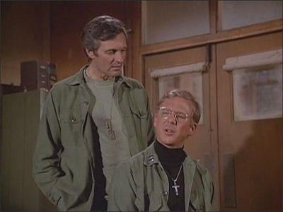 M*A*S*H - Season 10 Episode 18: Heroes