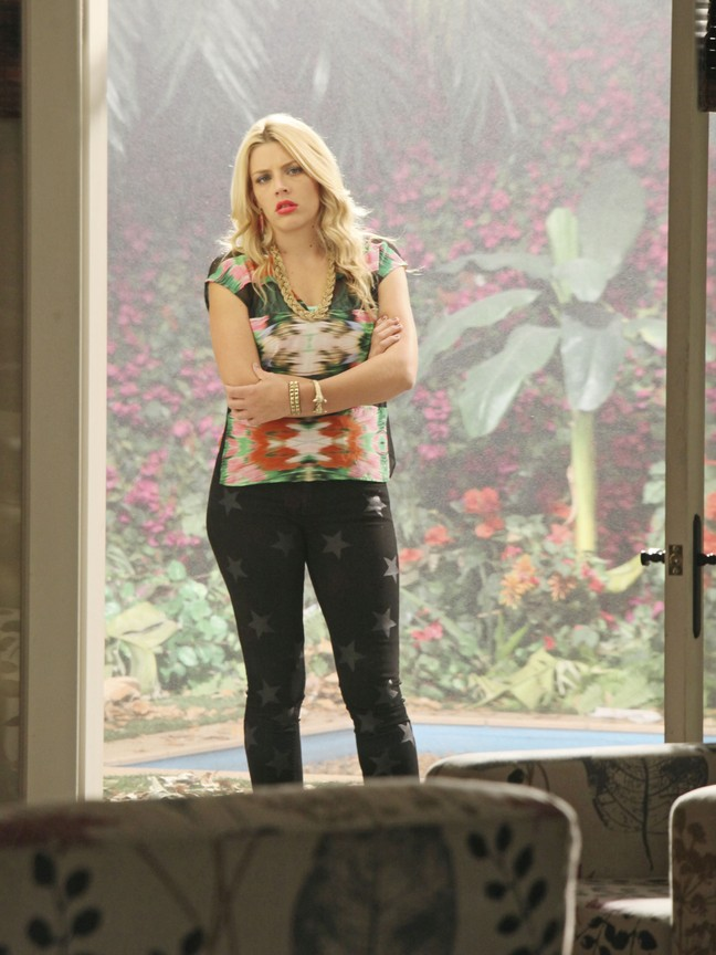 Cougar Town - Season 3 Episode 12: Square One
