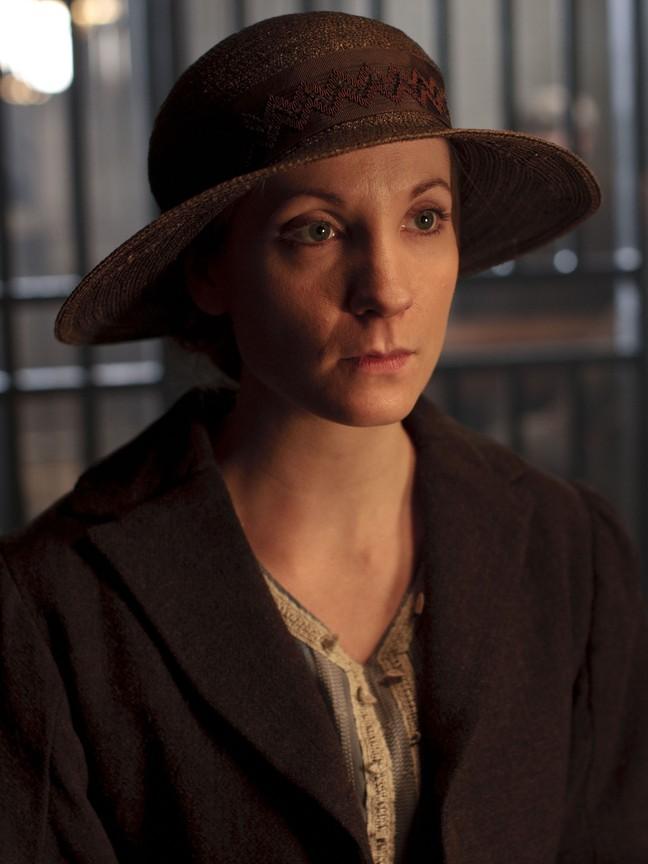 Downton Abbey - Season 3 Episode 01
