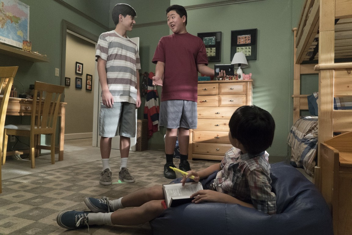 Fresh Off the Boat - Season 4 Episode 18: Measure Twice, Cut Once