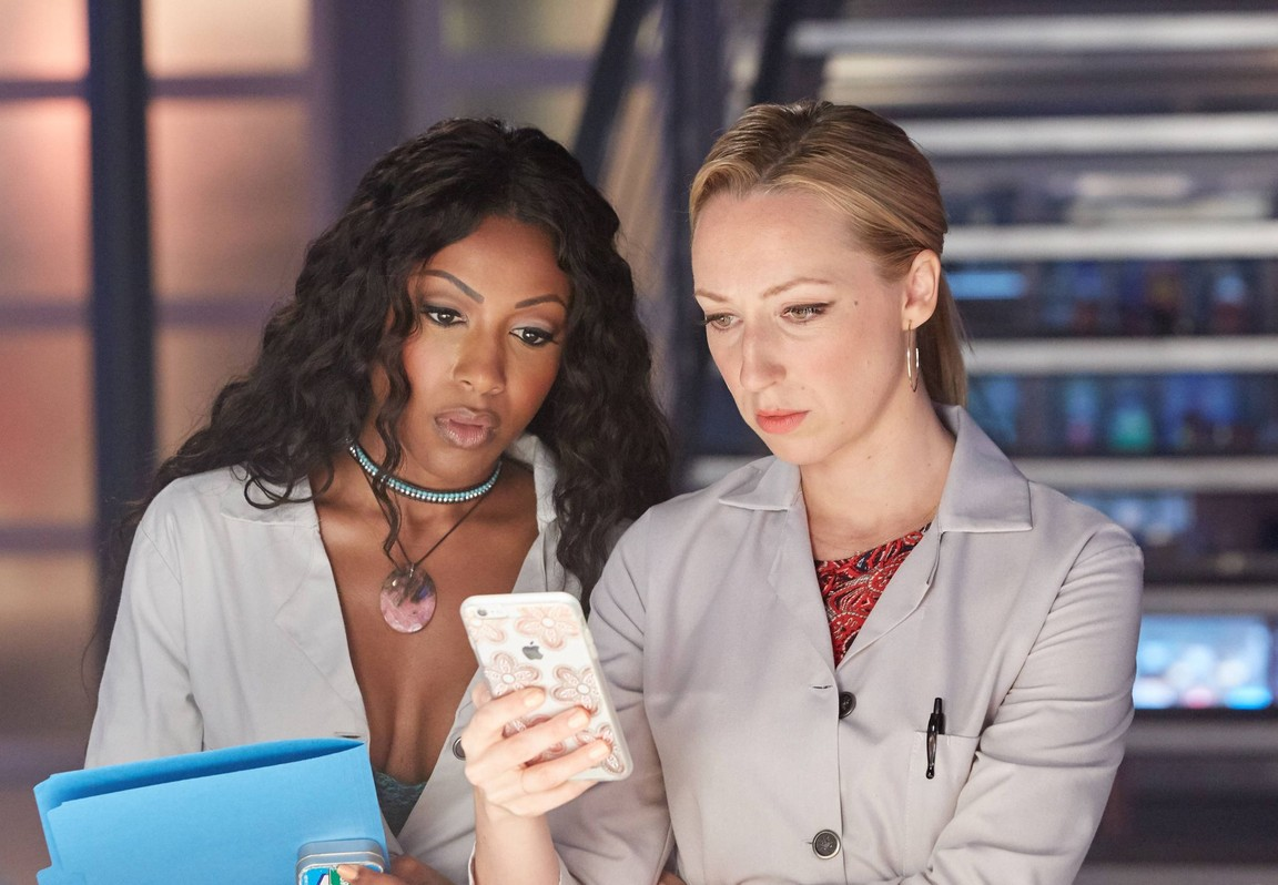 Rosewood - Season 2 Episode 03: Eddie and the Empire State of Mind