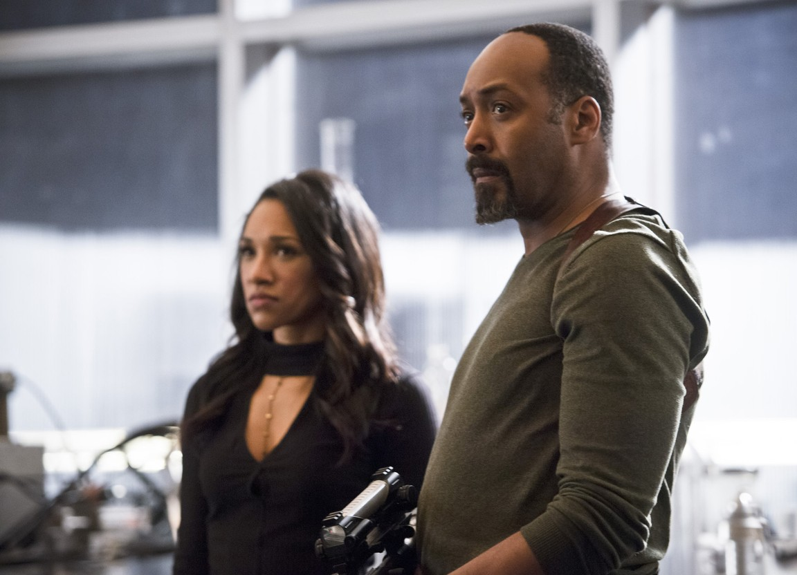 The Flash - Season 2 Episode 18: Versus Zoom