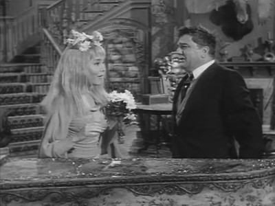 The Addams Family - Season 2 Episode 30: Ophelia's Career