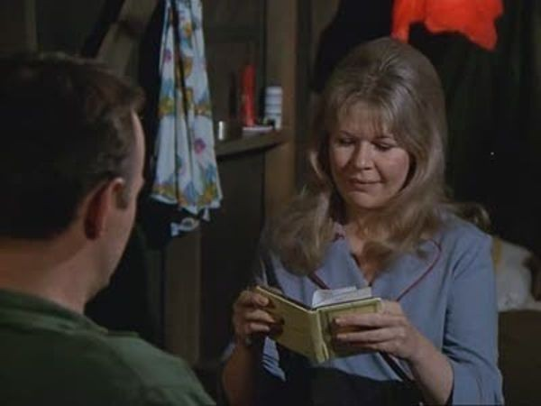 M*A*S*H - Season 2 Episode 16: Henry in Love