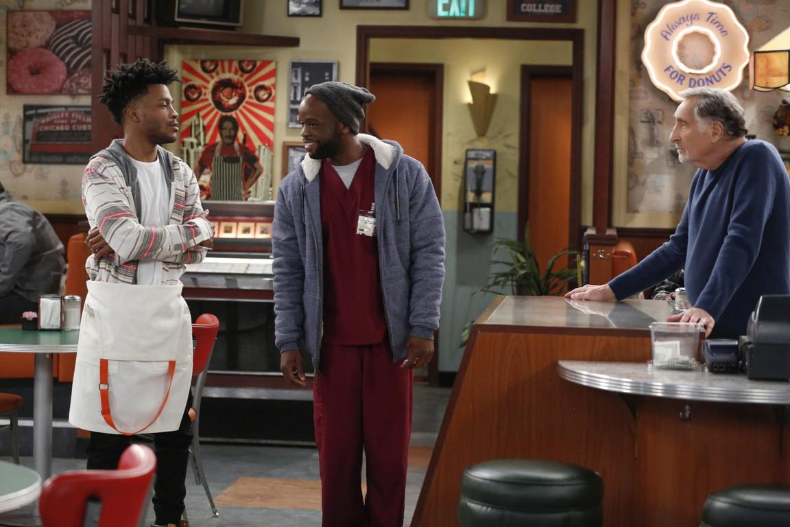 Superior Donuts - Season 2 Episode 10: Labor Pains