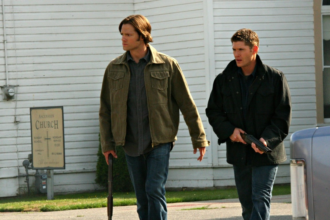 Supernatural - Season 5 Episode 02: Good God, Y'all!