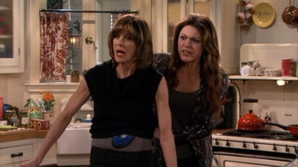 Hot in Cleveland - Season 4 Episode 22: All My Exes