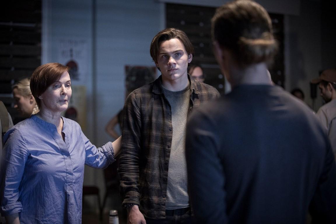 Colony - Season 2 Episode 11:  Lost Boy