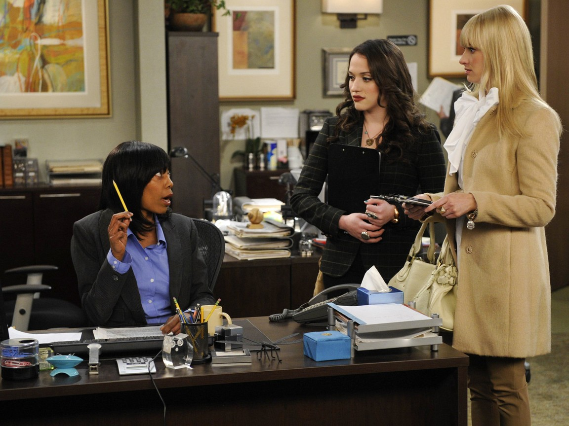 2 Broke Girls - Season 2 Episode 19: And the Temporary Distraction