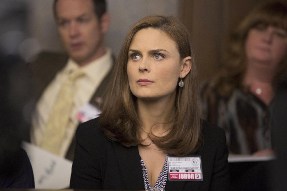 Bones - Season 9 Episode 09: The Fury In The Jury