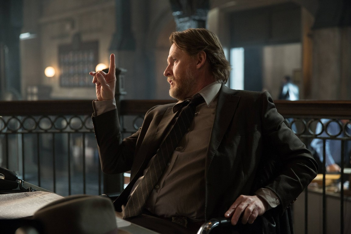 Gotham - Season 1 Episode 19: Beasts of Prey