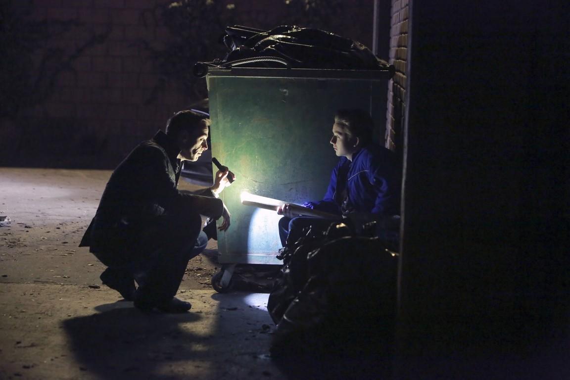 NCIS - Season 13 Episode 22: Homefront