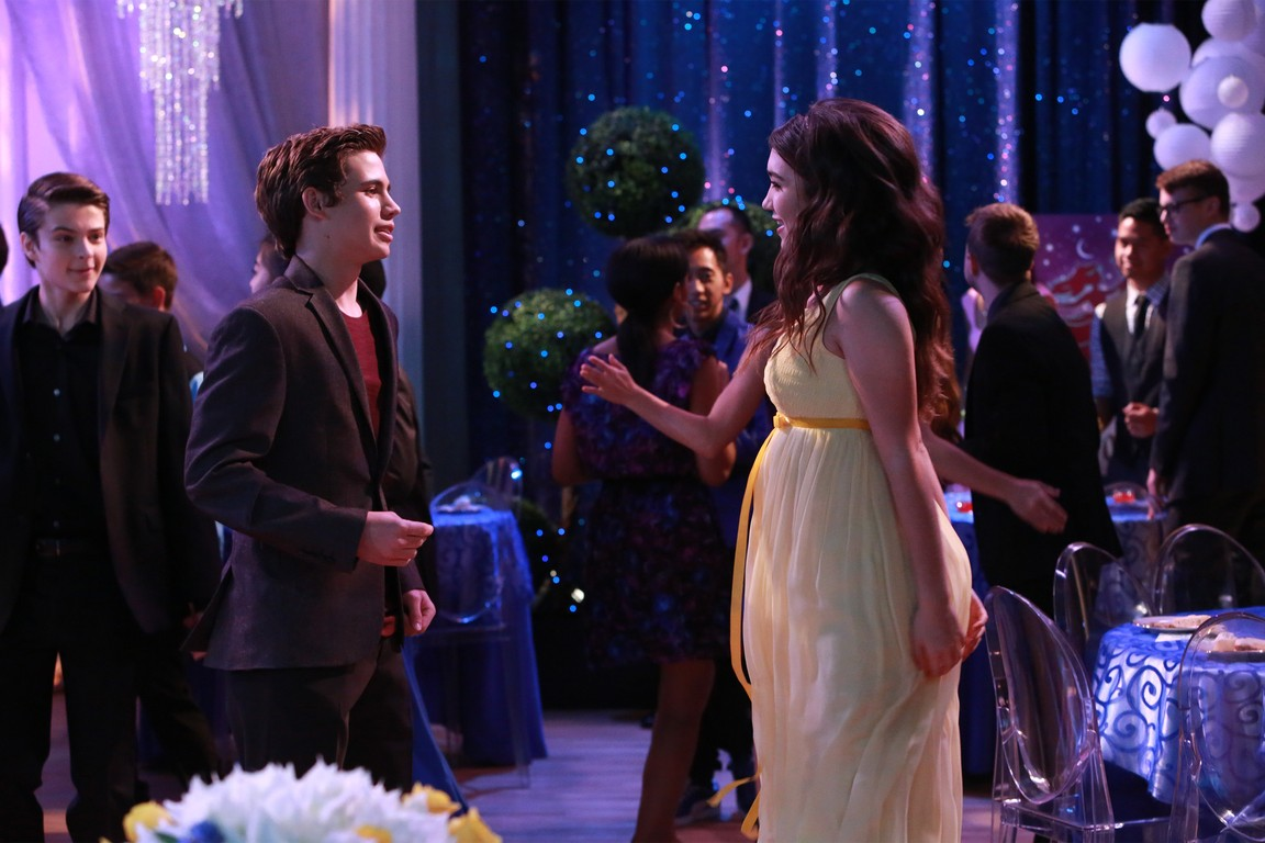 Girl Meets World - Season 2 Episode 13: Girl Meets Semi-Formal