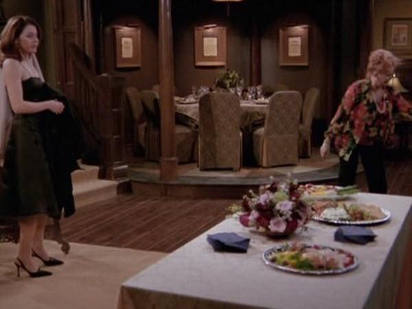 Frasier - Season 10 Episode 14: Daphne Does Dinner