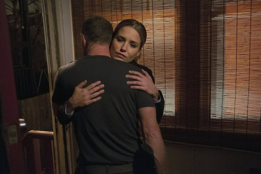 Chicago P.D. - Season 2 Episode 13: A Little Devil Complex (2)