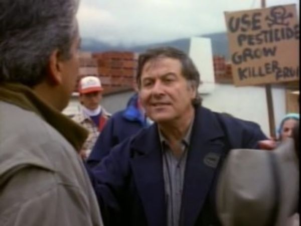 MacGyver - Season 6 Episode 09: Bitter Harvest