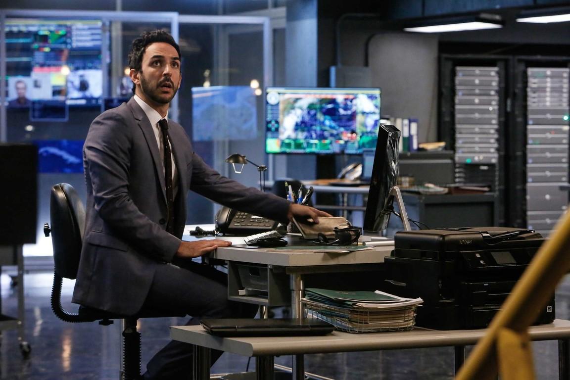 The Blacklist - Season 4 Episode 08: Dr. Adrian Shaw: Conclusion (2)