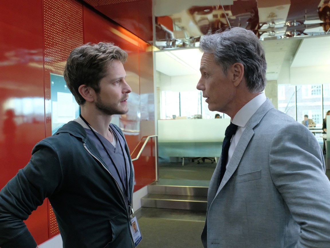 The Resident - Season 1 Episode 01: Pilot