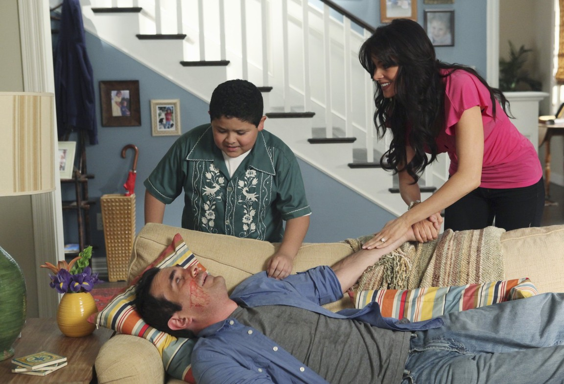 Modern Family - Season 1 Episode 03: Come Fly With Me