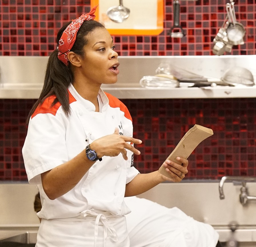 Hell's Kitchen - Season 17 Episode 08: Welcome to the Jungle