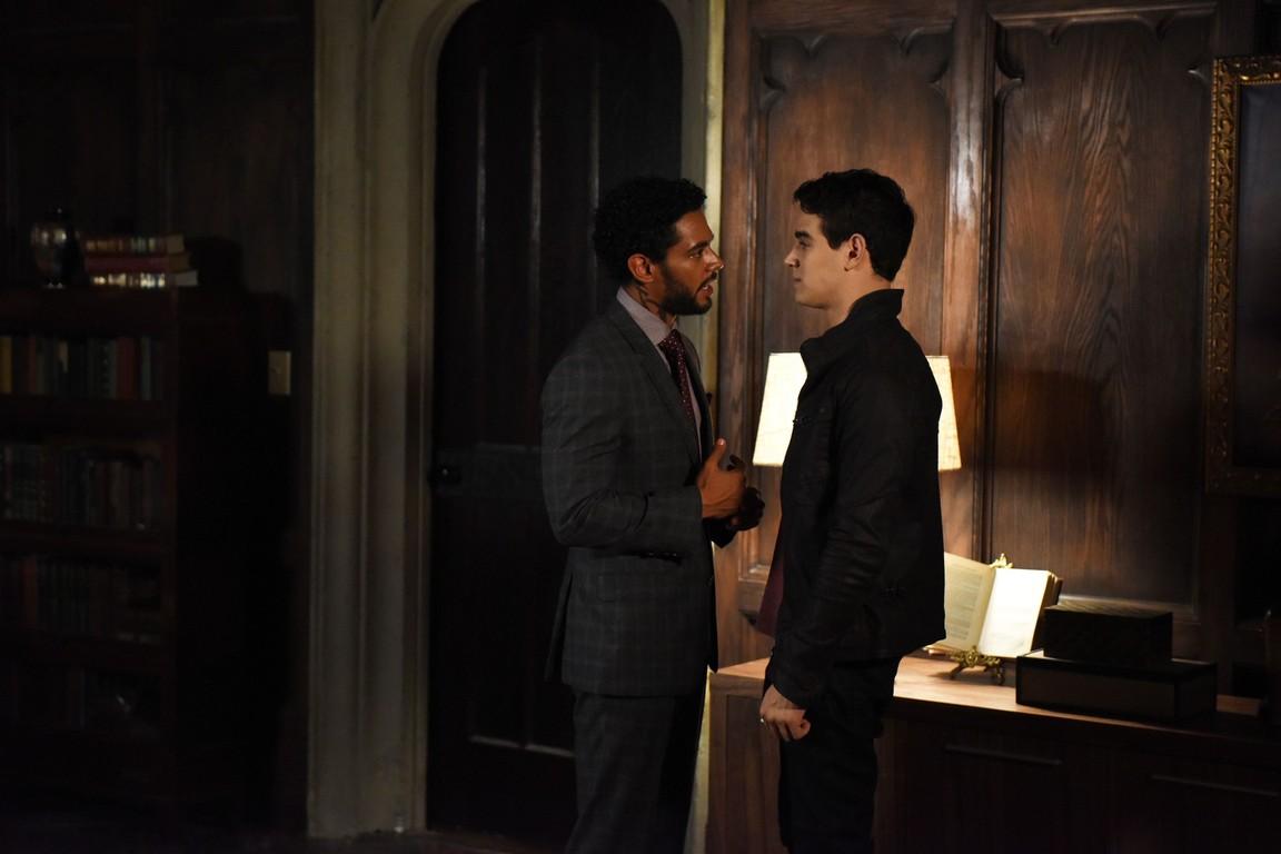 Shadowhunters - Season 2 Episode 02: A Door Into the Dark