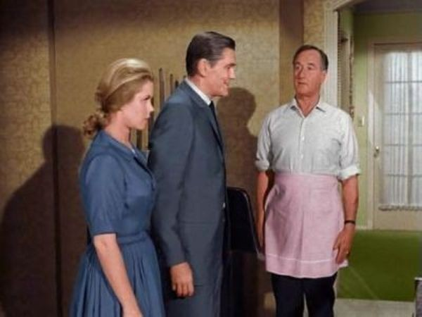 Bewitched - Season 1 Episode 32: Illegal Separation